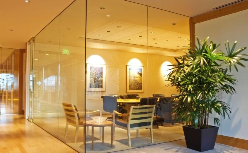 Companiile încep să-și schimbe perspectiva asupra birourilor open-space